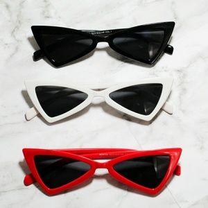 Accessories - 90s inspired cateye sunglasses